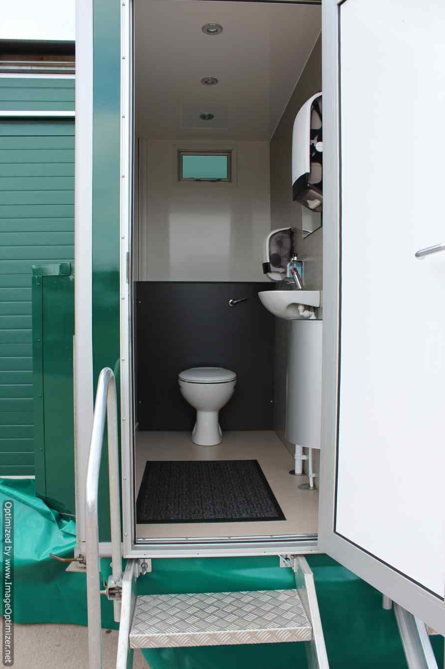 Windsor mobile toilet layout